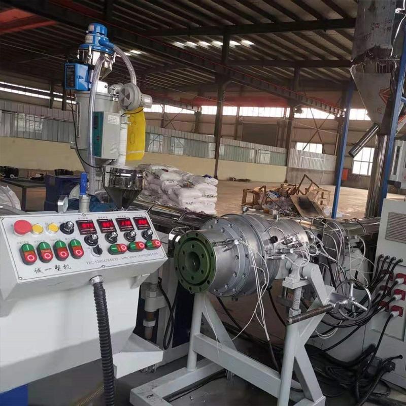 PE多层复合管材生产线